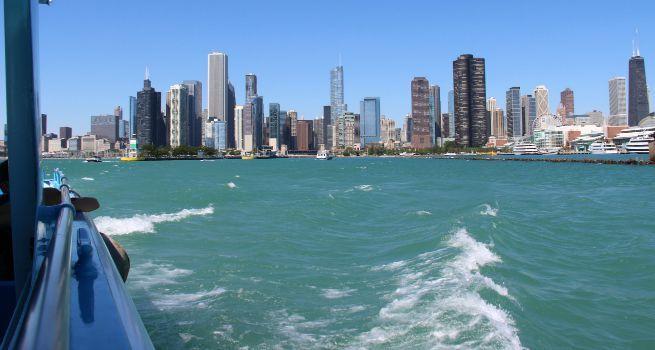 Paseo en Barco en la Ciudad de Chicago