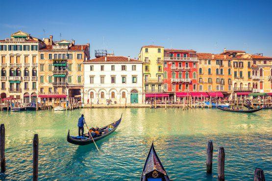 viaje en gondola por los canales de Venecia