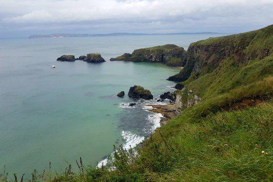 Hacer la ruta costera de Carrick a Rede a pie