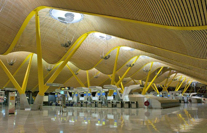 How to get from Barajas airport to the centre of Madrid
