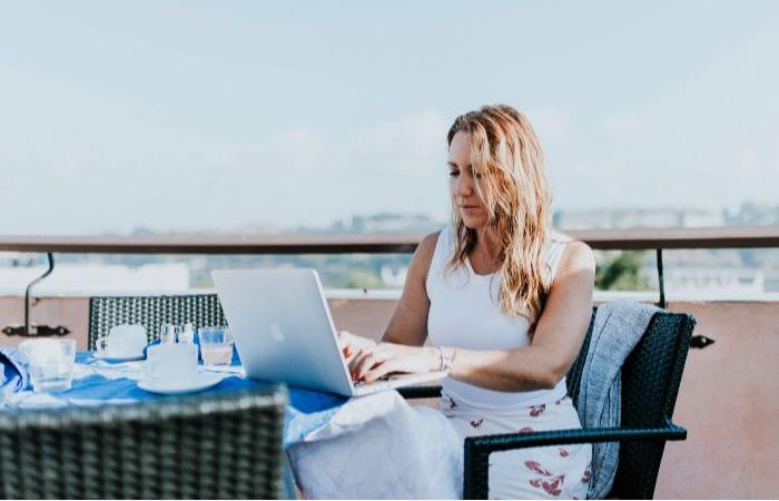 digital nomad salary