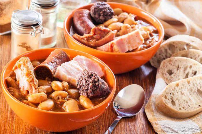 Fabada asturiana para dos con compango