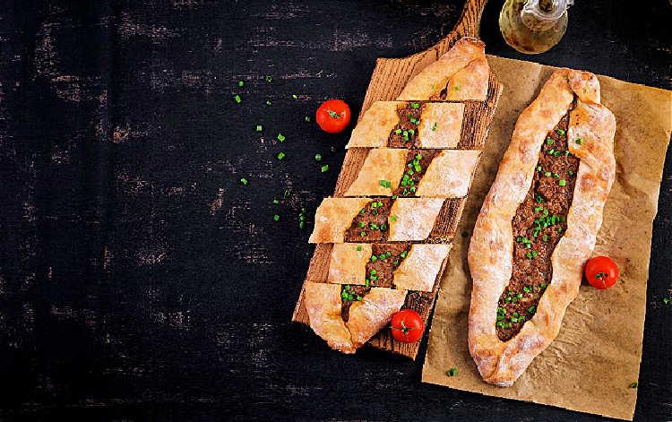Lahmacun_Popular food in Turkey