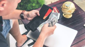 How to keep your money safe while traveling